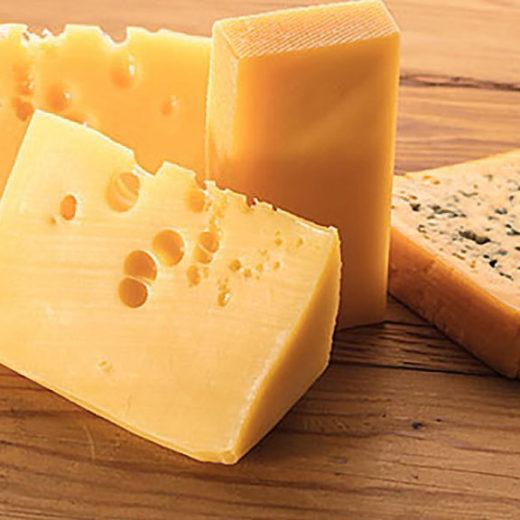 Онтарийца обвиняют в краже сыра на 187 тысяч долларов